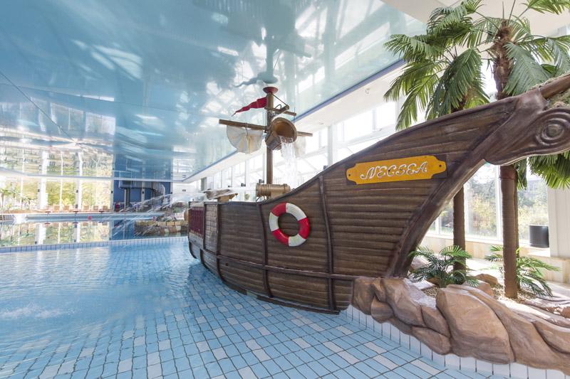 Hallenbad Neustadt, bademehr-piraten-schiff